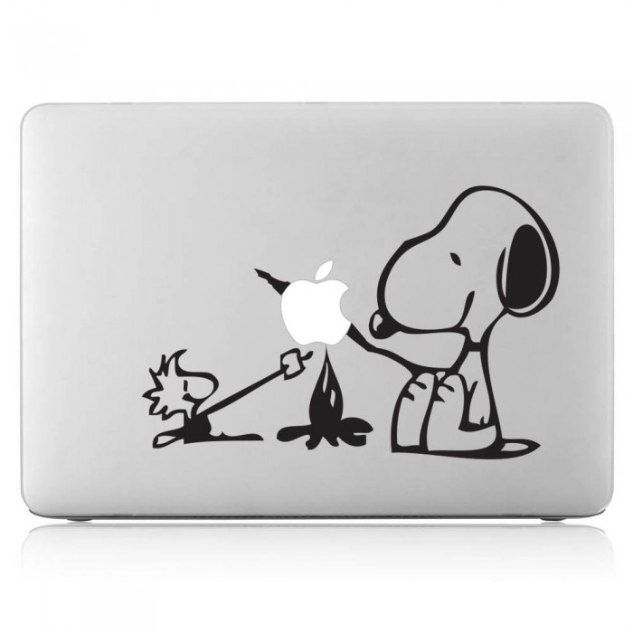 Snoopy and Friend Camping  Laptop / Macbook Vinyl Decal Sticker (DM-0161)